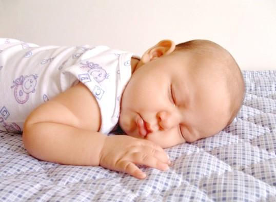Що робити, якщо дитина погано спить вночі