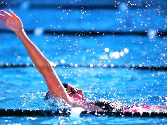 Для чого потрібно плавання