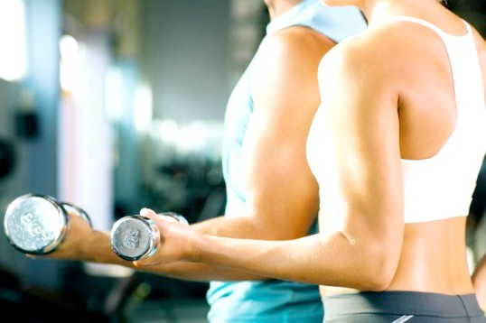 Як робити вправи з гантелями