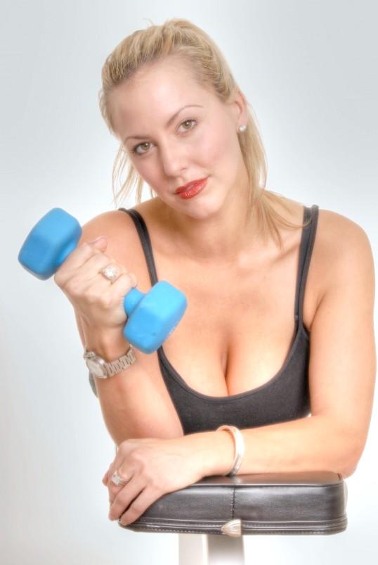 Як накачати м'язи худому