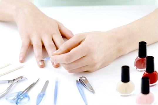 Як нафарбувати короткі нігті