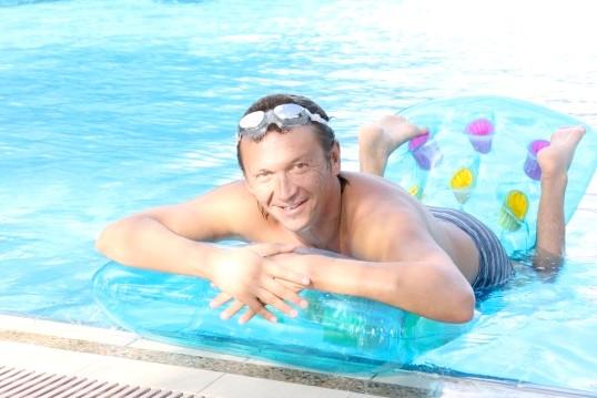 Як навчитися плавати дорослій людині