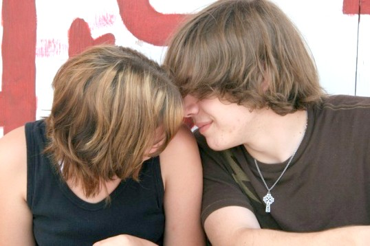 Як відзначити місяць відносин