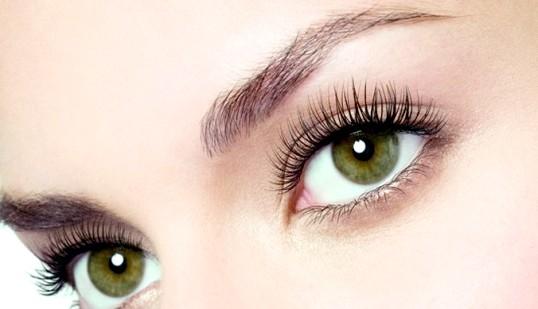 Як зміцнити шкіру навколо очей