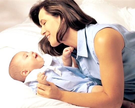 Як усиновити дитину одинокій жінці