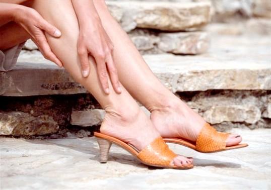 Чому болять ікри ніг
