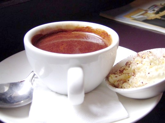Як пити гарячий шоколад