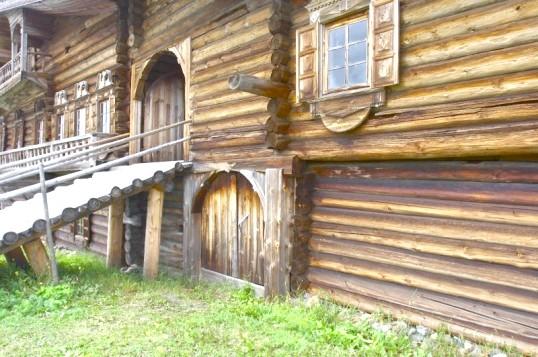 Як утеплити дерев'яний будинок пінопластом