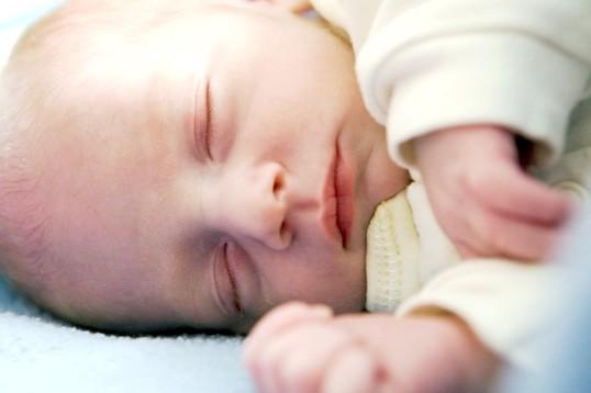 Який одяг потрібна новонародженому
