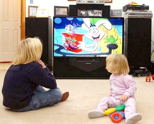 Чому дітям не можна дивитися телевізор