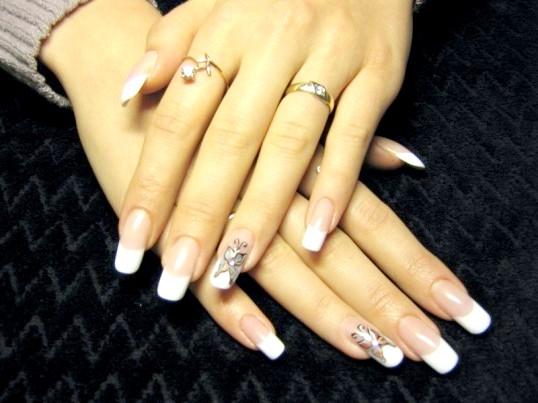 Що потрібно для нарощування нігтів акрилом в домашніх умовах
