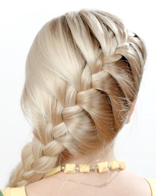 Як заплести красиво волосся середньої довжини