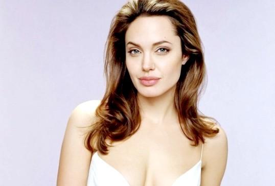 Як бути схожою на Анжеліну Джолі