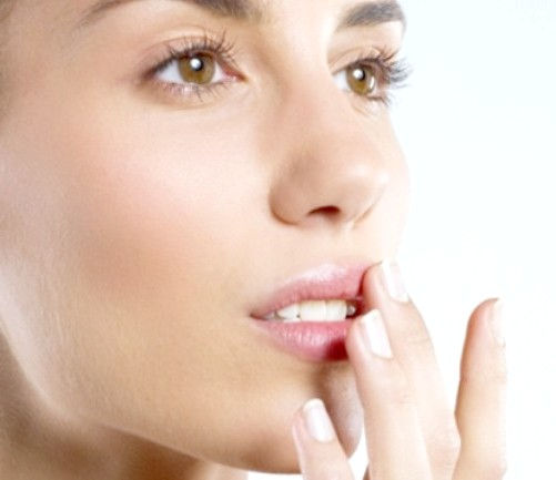 Як позбутися від лущення губ