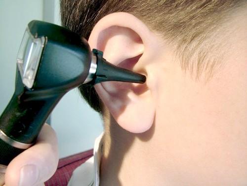 Як лікувати застуджене вухо