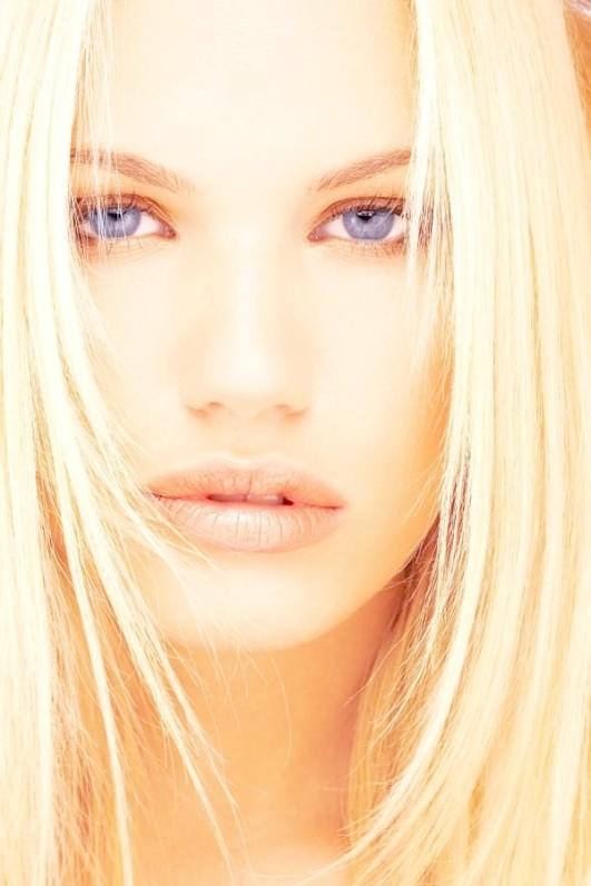 Як знебарвити волосся народними засобами