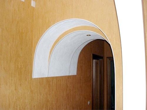 Як обклеїти арку шпалерами