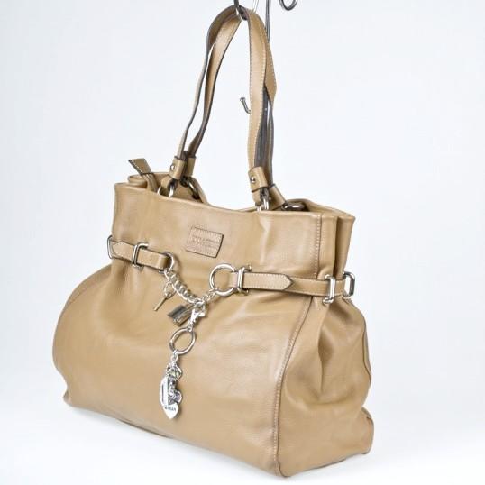 Як оновити шкіряну сумку