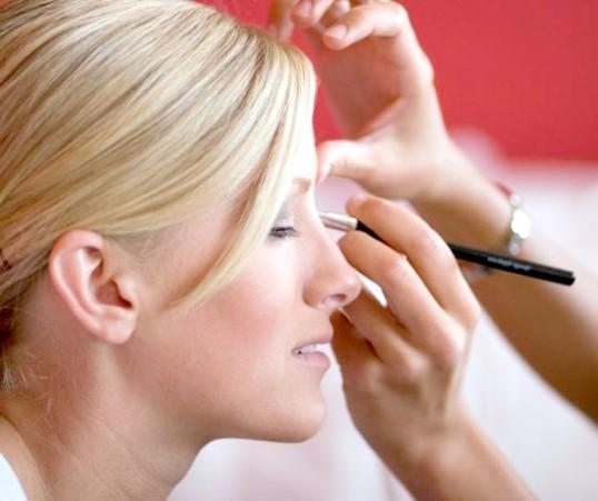 Як зробити макіяж без туші