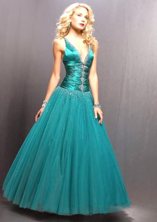Як прикрасити сукню паєтками