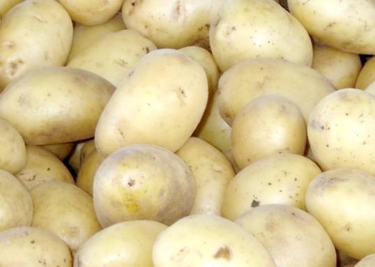 Як запекти картоплю у фользі в духовці