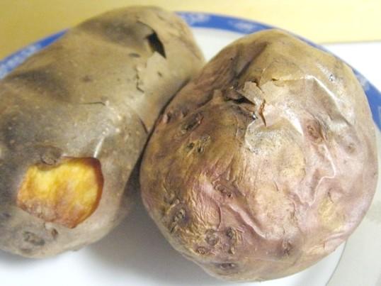 Як запекти картоплю в шкірці