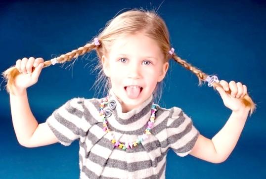 Як заплести волосся дитині