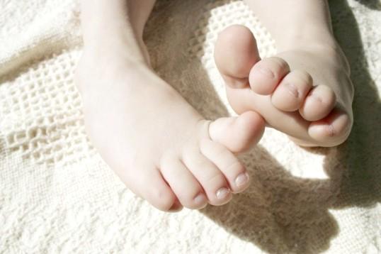 Чому болять пальці ніг