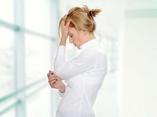 Чому виникає тупий біль в голові