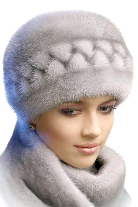 Як почистити блакитну норкову шапку