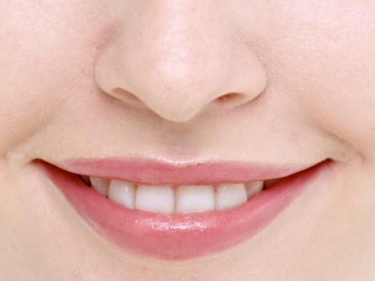 Як фарбувати тонкі губи