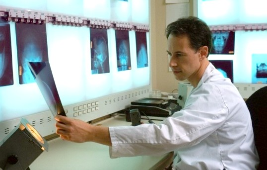 Як визначити склад каменя в нирках