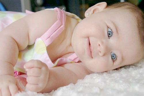 Як відучити немовляти від рук