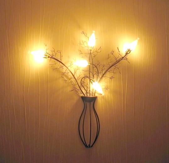 Як підключити настінний світильник