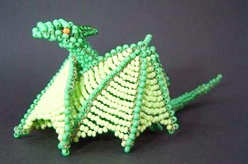 Як зробити іграшку-дракона з бісеру