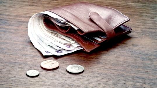Як повернути гроші, якщо товар в кредит