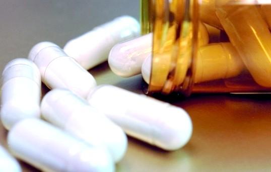 Як захистити шлунок від антибіотиків